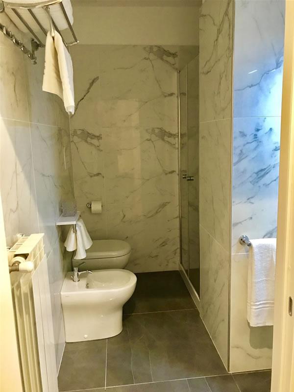 Bagno privato in camera B&B Casa Gramsci Foggia